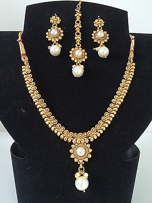 Bollywood Indian Imitation Jewellery/ Party Wear/ Gold Pearl Choker Set