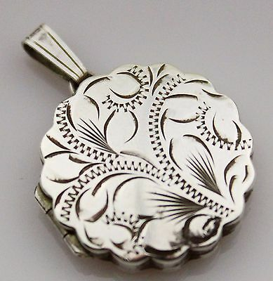 Vintage Sterling Silver 925 Chased Locket Pendant Costume Jewellery Round