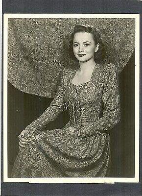 Beautiful Olivia De Havilland Portrait - Romeo + Juliet - Broadway Play