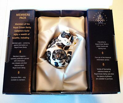 Royal Crown Derby Collector's Guild Misty Kitten Paperweight Gold Button