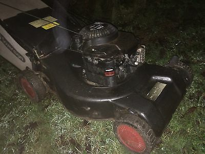 Sovereign Briggs and Stratton Self-Propelled Petrol Lawnmower READ DESCRIPTION