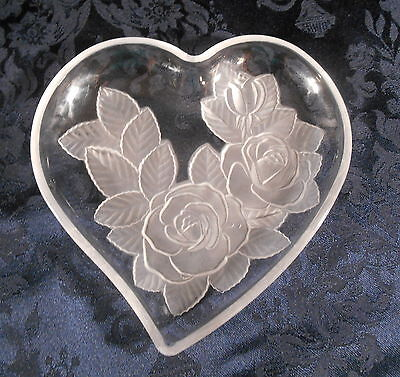 Heart Shaped Clear Glass Trinket Dish / Bowl / Tray w/ Embossed Frosted Roses