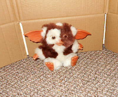 Gremlins Gizmo Plush 6 Inches Tall Plastic Ears Hands Feet - Neca
