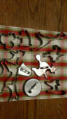 Vintage cookie cutters tin  and 1 copper color
