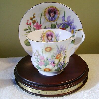 Avon Honor Society 1996 Cup & Saucer Set W/ Display Stand Queen Fine China