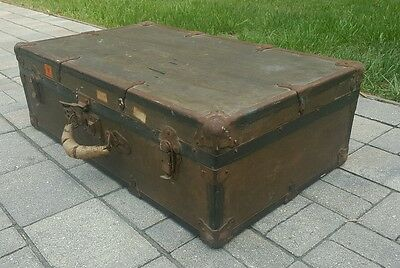 VINTAGE ANTIQUE Steamer Trunk Luggage Travel Hard Case Suitcase