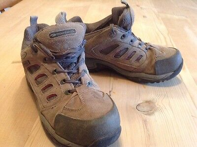 ladies mountain warehouse trainer style walking boots size 6