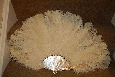 VERY NICE ANTIQUE OSTRICH AND MODER PEARL FAN  IN ORIGINAL BOX 40 cm.