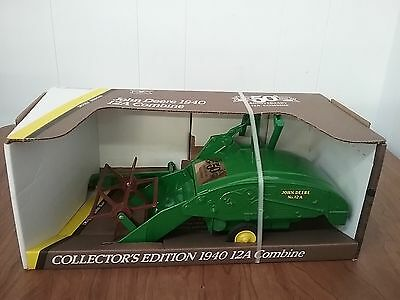 Ertl 1:16 John Deere 1991 Collector's Edition 1940 12A Combine 50th Anniversary