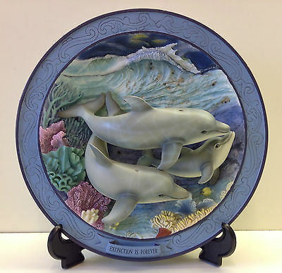 """Sea World """"Bottlenose Dolphin"""" 3D Display Plate With Certificate (No.1)."""