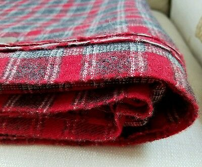 "3.25 Yds X 60"" Stunning Vintage Wool Fabric Heather Gray Christmas Red Tartan"