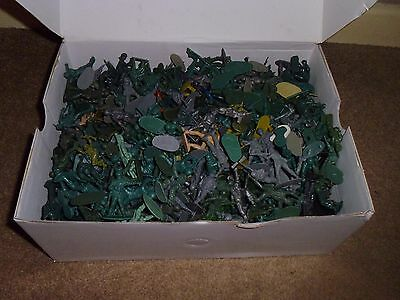 Plastic toy soldiers huge job lot (size aprox 54 mm) 2