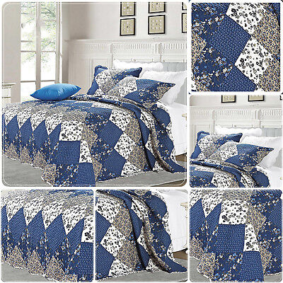 Beautiful Floral Vintage Patchwork Quilted Bedspread / Throw With 2 Pillow Shams