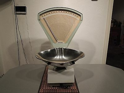 Vintage Avery Weighing Retro Shop Scales