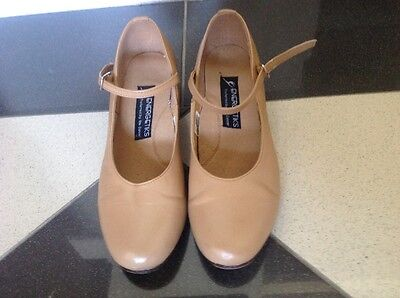 Ladies character / tap shoes size 7.5 (taps not included)