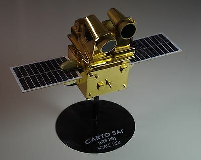 Indian CARTO SAT IRS P5 Engineering Prototype Model 1:20 Rare Space Satellite