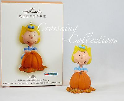 2006 Hallmark Sally It's The Great Pumpkin Charlie Brown Halloween Ornament RARE