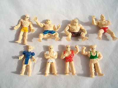 Vtg 1990's Street Fighter Toy Vending Machine Prizes Complete Set Of 8 Clean!