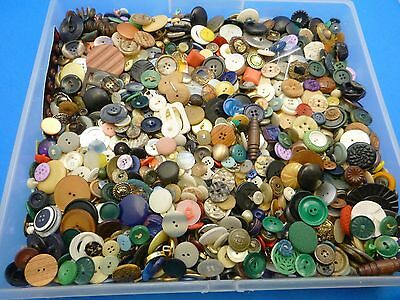Vintage 7.5LB Mixed Buttons Retro Modern Plain Jane Carved Carded Gaudy Metal