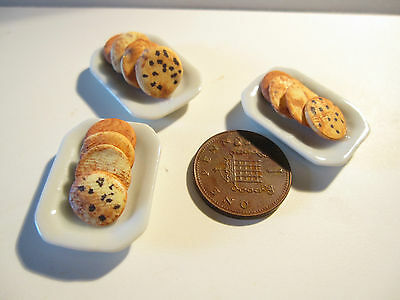 Dolls House Miniature Plate With Biscuits Bb
