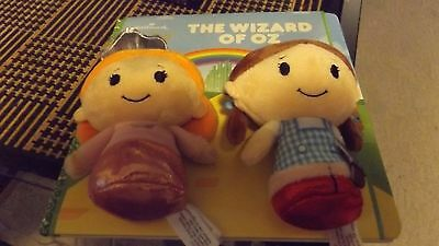 wizard of oz itty bittys storybook/2 plushes.