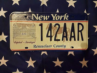New York Rensselaer County License Plate 142AAR USA Plaque d immatriculation