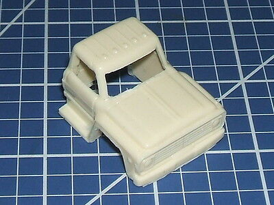 """1/87  """"ho"""" Scale Resin Part -  Ford F700 Truck Cab"""