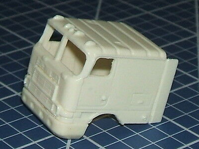 """1/87  """"ho"""" Scale Resin Detail Part -  International 9800 Coe Cab"""