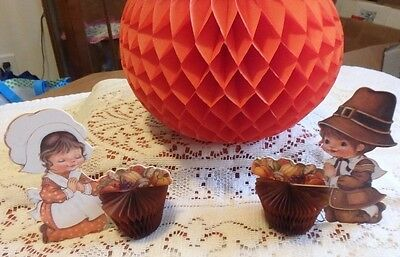 Vintage- Hallmark- Little Pilgrims Thanksgiving Honeycombs