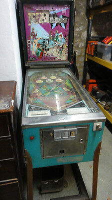 Vintage pinball machine 1968 Doozie By Williams Electroniks Chicago