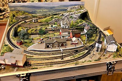 Briefcase Canal Layout By Mountain Lake Model Railways In N Gauge