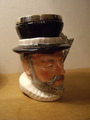 Lancaster & Sandland yeoman of the guard toby Character Jug
