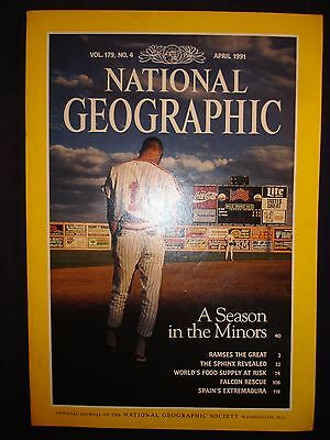 National Geographic April 1991  - A season in the Minors