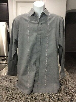 Pre-Owned Will's Fit Barong Tagalog  Size Large