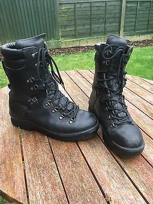 British Army Extreme Cold Weather Goretex Boots Size 8