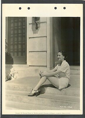 Beautiful Young Dorothy Lamour Tans Her Legs - N Mint 1939 Dblwt Key Book