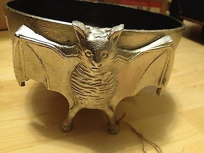 NEW  BLACK SILVER METAL BAT BOWL Halloween Prop Haunted  Display Decor