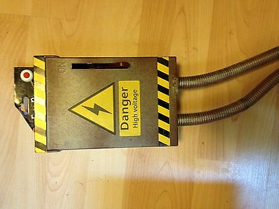 ANIMATED HIGH VOLTAGE Haunted LIGHT UP HALLOWEEN FUSE BOX Prop Convulsing WIRES