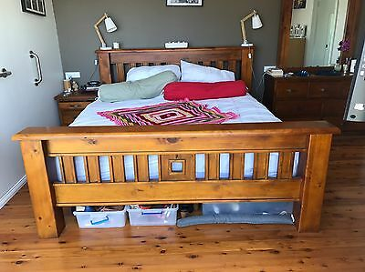 KING BEDROOM SUITE BED + MATTRESS, 2 x BEDSIDE CHESTS and MIRROR CHEST Of DRAWER