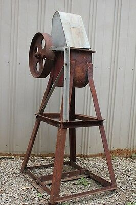 Antique Eureka Windmill Pump Gear Box Head Sunshine Galvanized Cast Iron Wheel