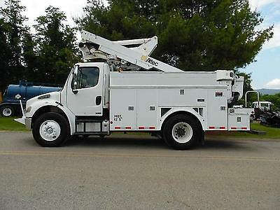 2007 Freightliner Altec 45Ft Articulating Over Center Boom With Cat C7 Auto Tran