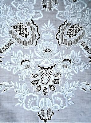 """Antique Italian linen lace tablecloth & 11 napinks 116"""" x 66"""""""