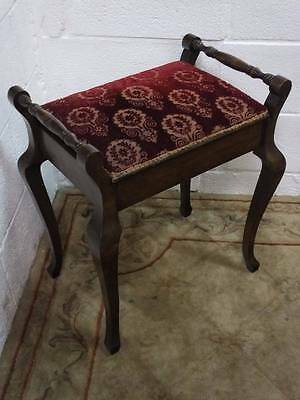 EARLY 20TH CENTURY SOLID MAHOGANY PIANO STOOL With UNDER SEAT STORAGE.