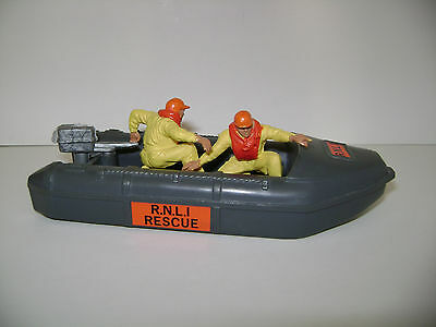 Britains RNLI Lifeboat & Crew - vintage collectable toy from 1980's. VNM!