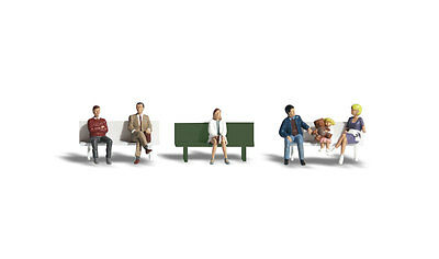Bus-stop people with 1 seat - HO Model Train  - Fully painted & assembled ++GIFT