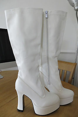 White 70's style platform boots womens size 6