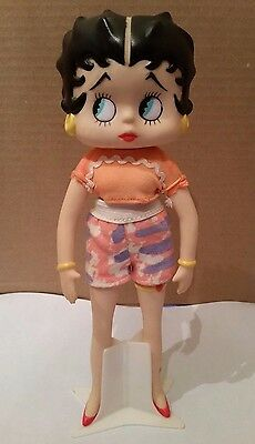 1991 Betty Boop Fashion Plastic Doll Toy with Stand peach shirt and shorts