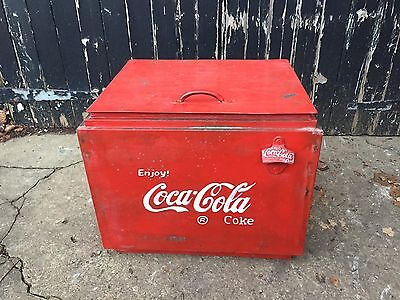 Vintage Coca Cola Ice Box Drinks Cooler