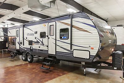 New 2017 31BHSS Bunkhouse Travel Trailer with Bunks & Outdoor Kitchen Never Used