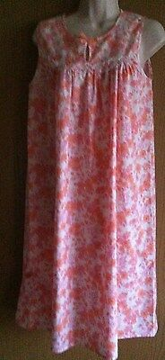 Vintage 1970s ladies pink, orange & white floral nightie Size 12/14 bust 34/35""